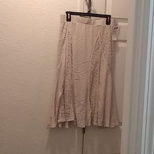 Ladies Skirt w/ Lace Inserts